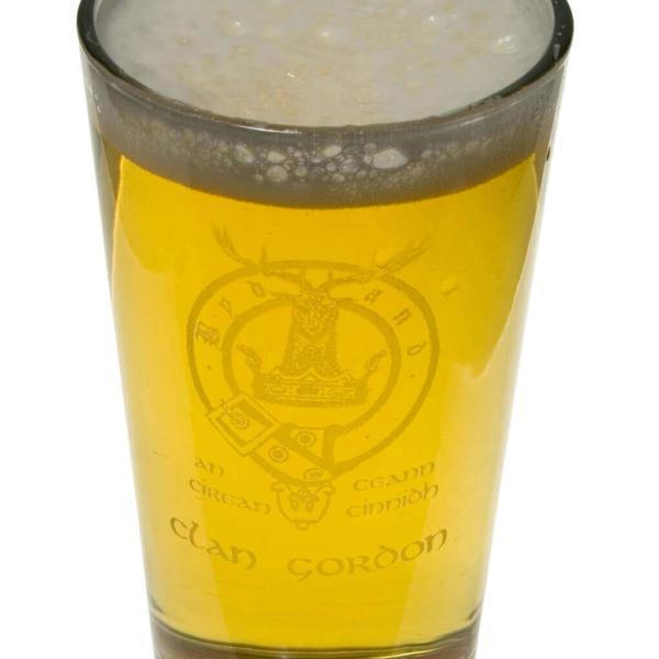 Clan Crest 14 oz. Beer Glass
