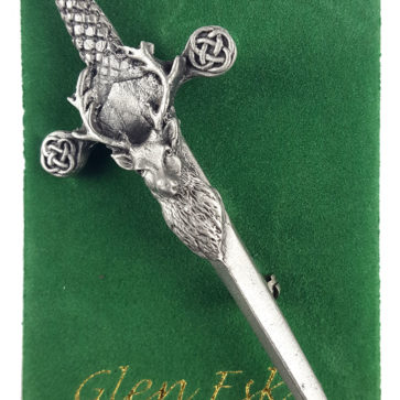 Stags Head Kilt Pin