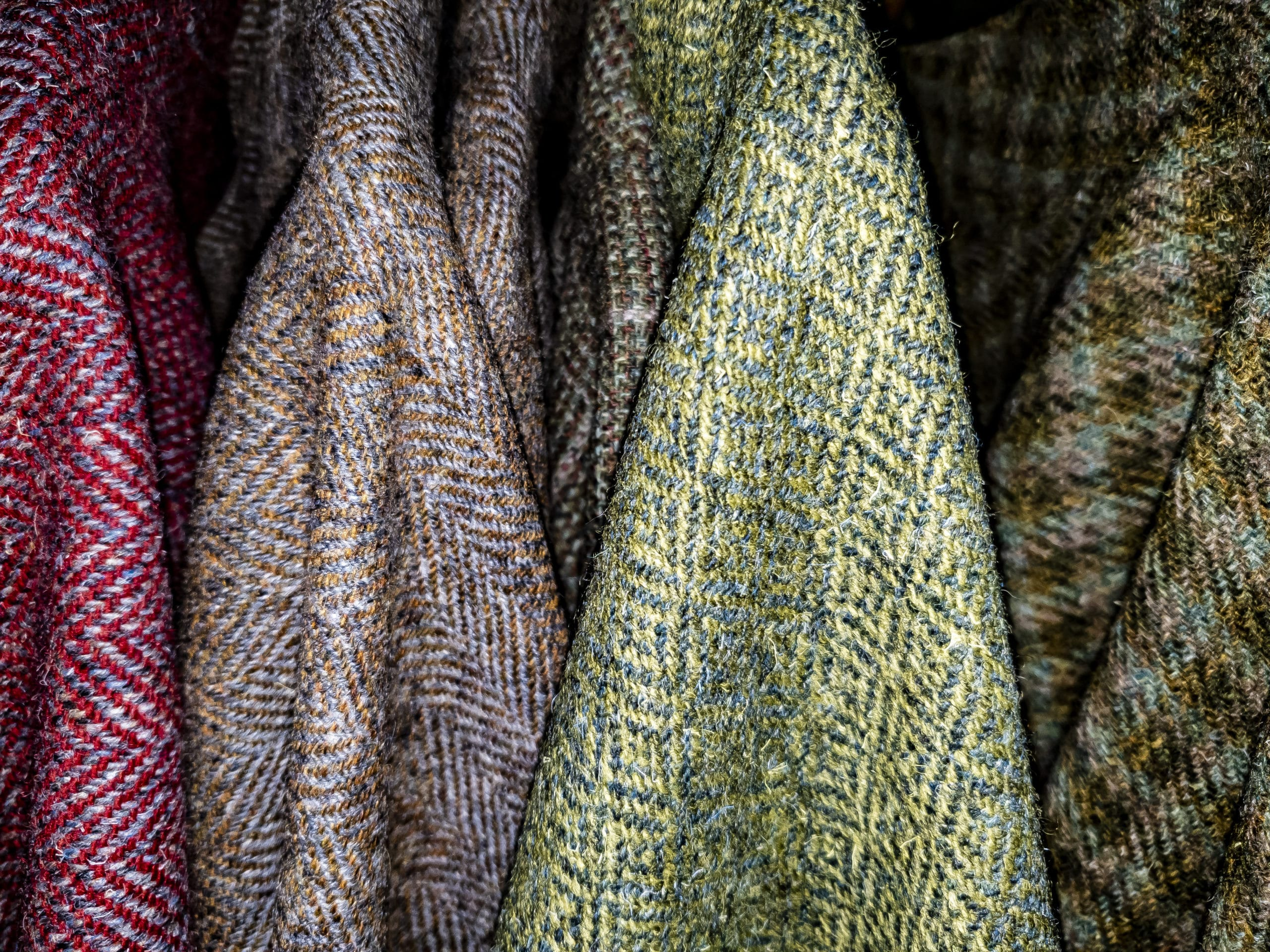 A Tweed Design for Any Occasion