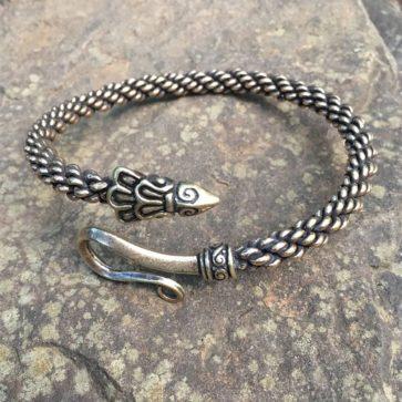 Raven Arm Ring