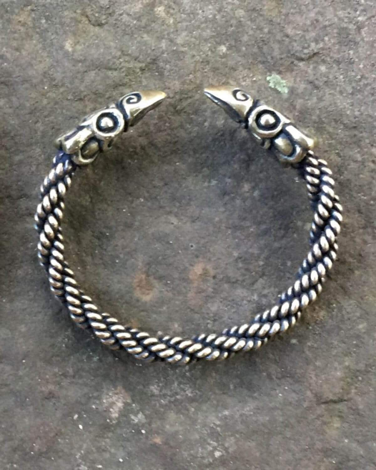 Raven Bracelet Light Braid