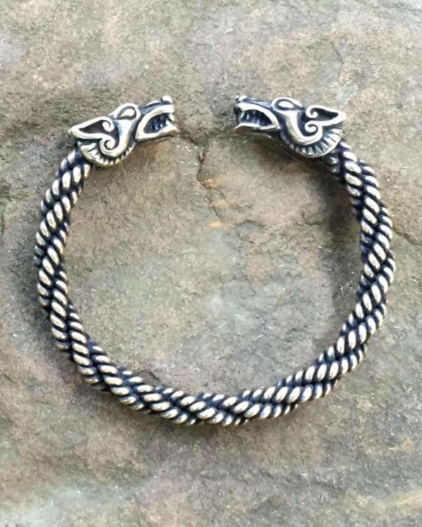 Wolf Bracelet Light Weight