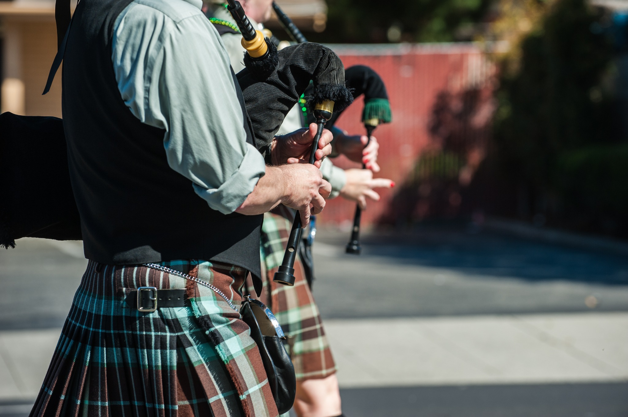 Are bagpipes Irish? Yes! Two Irish bagpipe players in a parade.