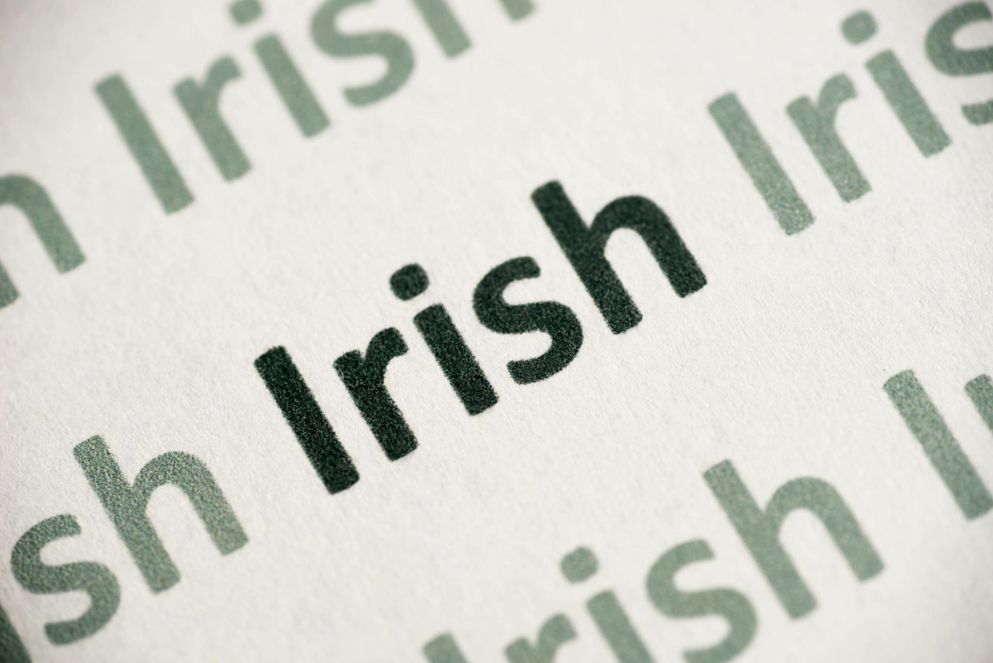 The word Irish written in green many times.